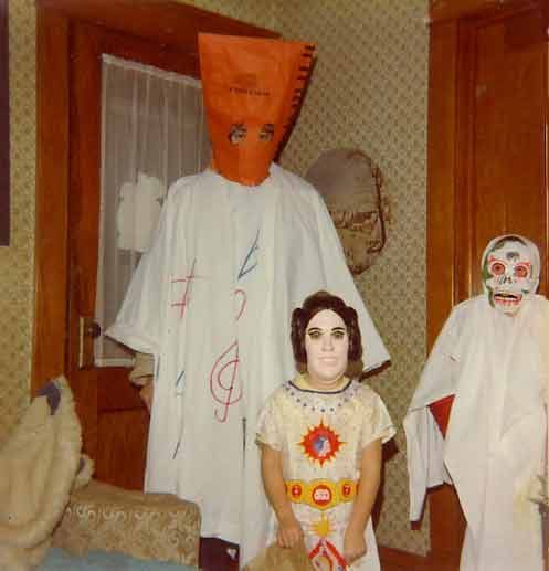 Alisha sent in this wicked  Vintage Trick Or Treaters