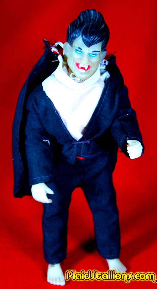 tomland Dracula glow in the dark figure